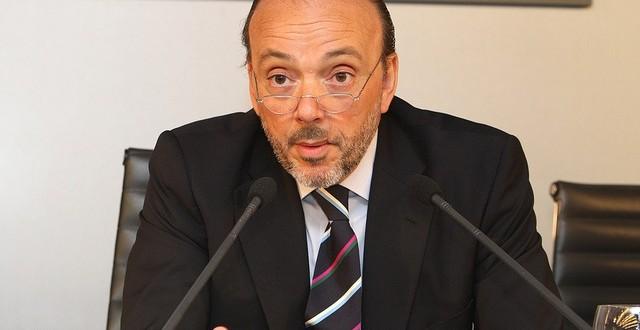 Javier Monzón releva a Juan Luis Cebrián