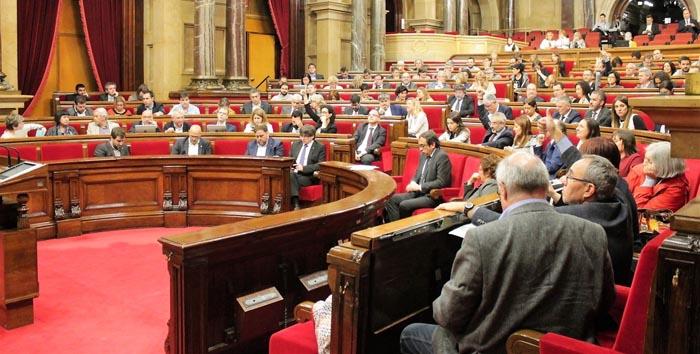 Puigdemont insiste en comparecer mañana martes