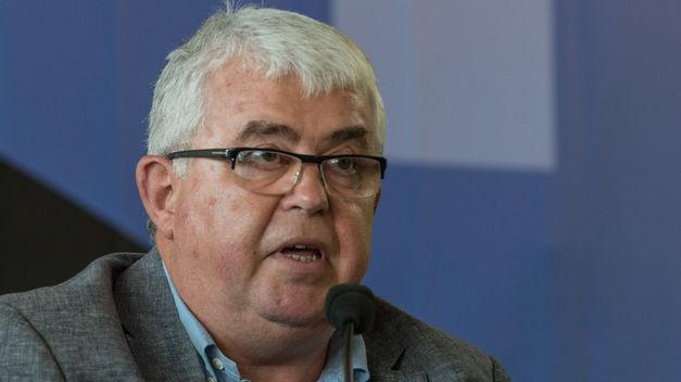 Primeras dimisiones en la ANC