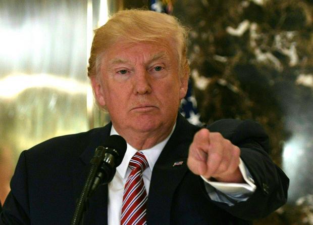 Trump pide fondos para el muro con México