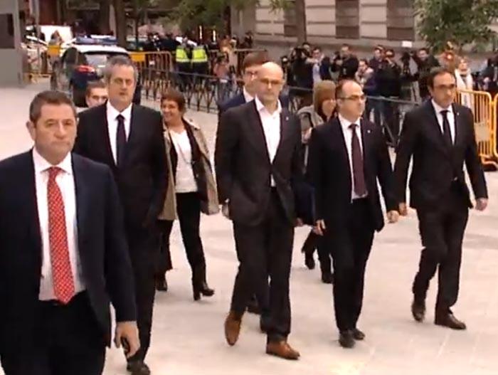 Junqueras y ocho ex consellers, a prisión