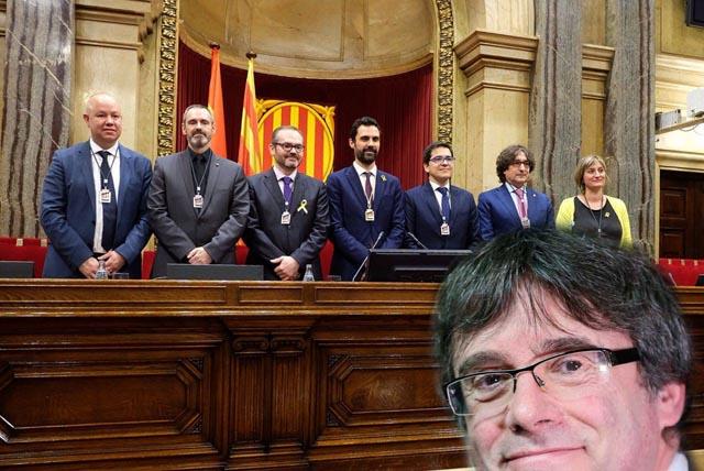 Hoy la Mesa del Parlament estudia la reforma de la ley para que Puigdemont pueda votar a distancia
