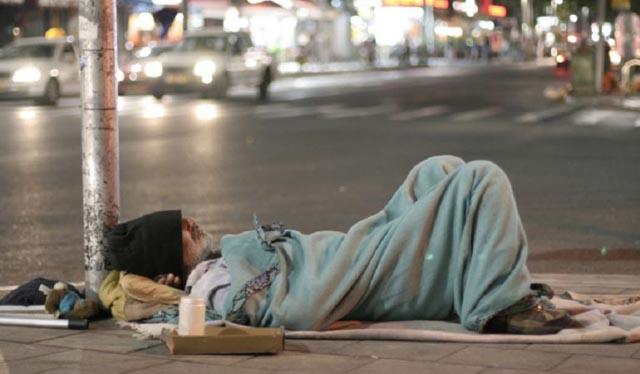 Aumentan las agresiones a las personas sin hogar