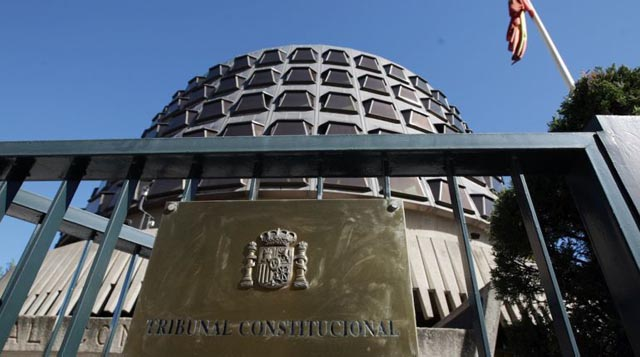 El Tribunal Constitucional recuerda a la Policía el derecho del detenido a información inmediata sobre su detención