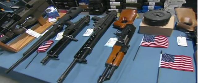 Compradores de armas: Trump mira para otro lado