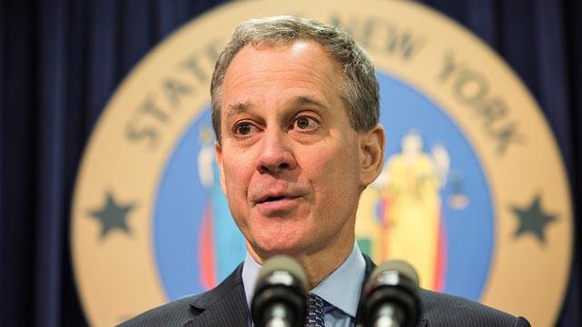 La terrible dimisión del Fiscal General de Nueva York acusado de malos tratos