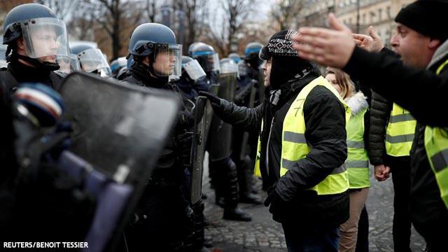 Más 'chalecos amarillos' detenidos