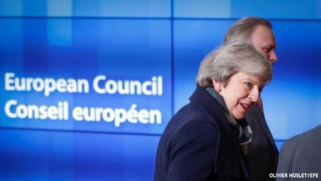 May pide socorro a Bruselas