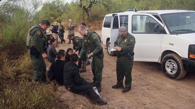 Récord de detenciones de migrantes en Estados Unidos