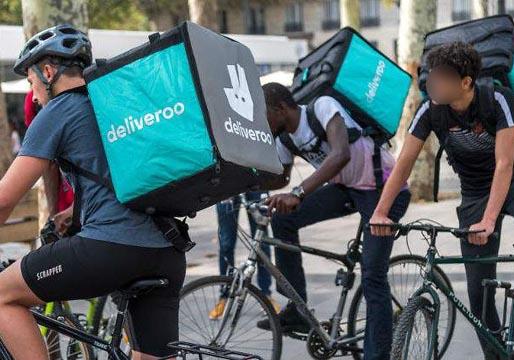 El Juzgado de lo Social señala que los ciclistas de Deliveroo son falsos autónomos y deben ser considerados trabajadores de la empresa
