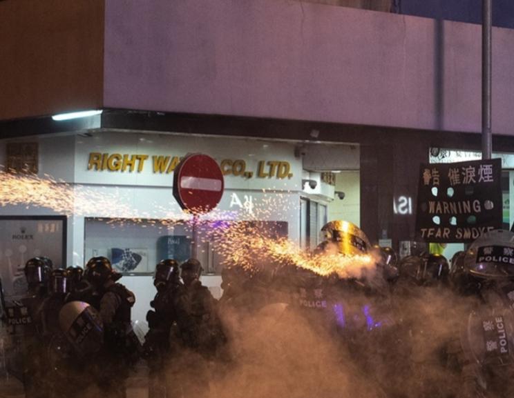 Vuelven los enfrentamientos con la Policía de Hong-Kong.