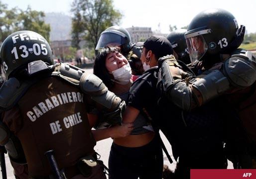 Fuerte represión de los manifestantes en Chile