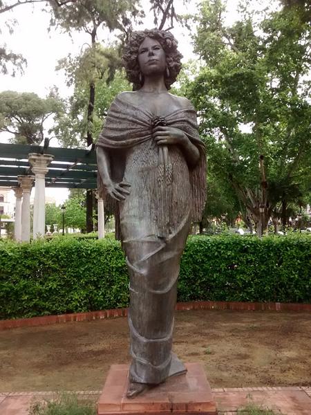Monumento a la duquesa de Alba en Sevilla.