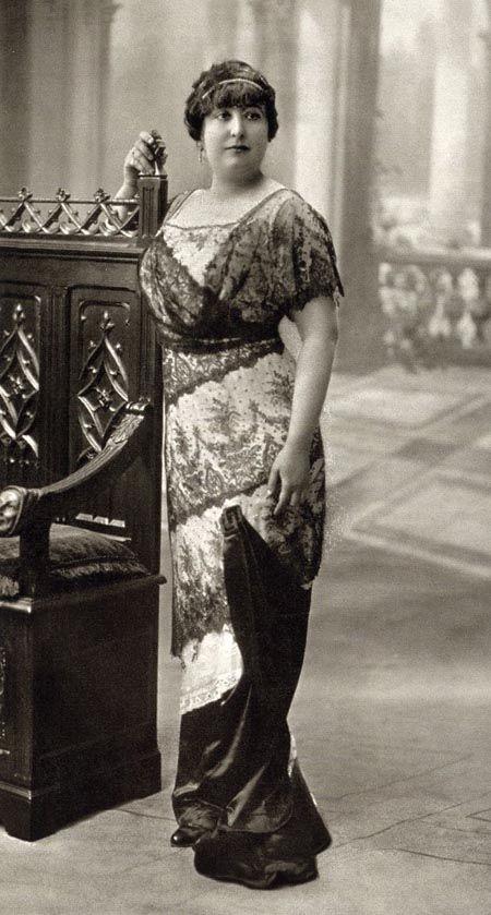 Retrato de Carmen de Burgos e 1913.
