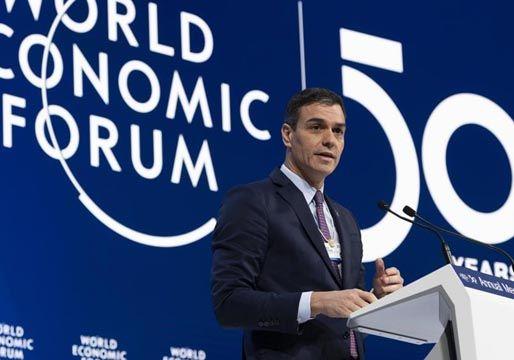 Sánchez promete en Davos rigor fiscal y reducción del déficit público