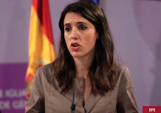 Montero contradice a Darias en relación a la objeción de conciencia al aborto